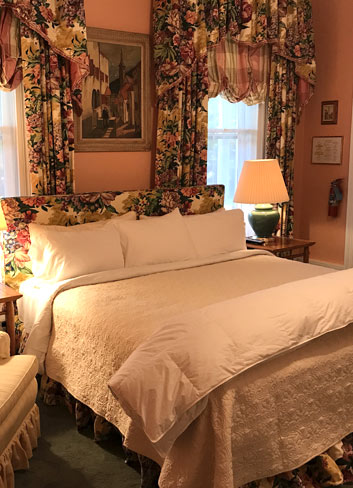 Romantic Country Rooms for Lovers at the Fife Inn in Kent, Connecticut