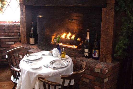 armstrong-fireplace-restaurant